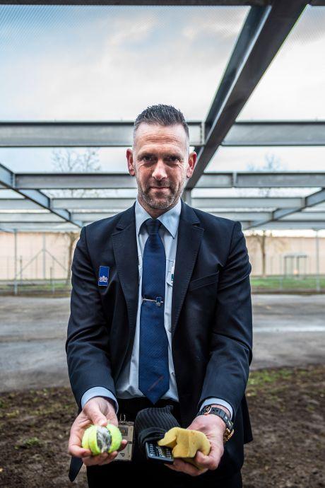 Primeur! Door dit net over de luchtplaats maakt deze gevangenis smokkelen van drugs en telefoons 'onmogelijk'
