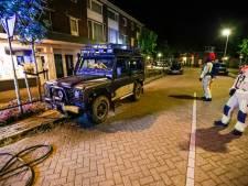 Aanmaakblokjes liggen zelfs nog op het achterwiel: wéér een auto in brand gestoken in Eindhoven