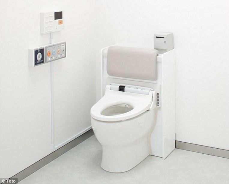 Dit toilet van de Japanse fabrikant Toto meet de hoeveelheid urine en zou daaruit kunnen afleiden of er sprake is van infecties. Bedoeld voor toepassing in ziekenhuizen. Beeld Toto