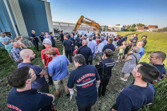 Gisteren werd de eerste steen gelegd voor de brandweerkazerne die Deerlijk en Anzegem samen realiseren.