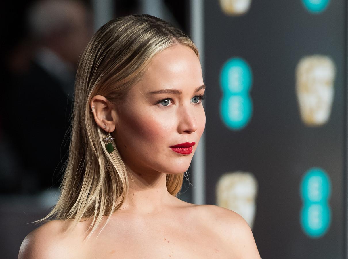 Jennifer Lawrence is vrijdag gewond geraakt op de set van een nieuwe film.