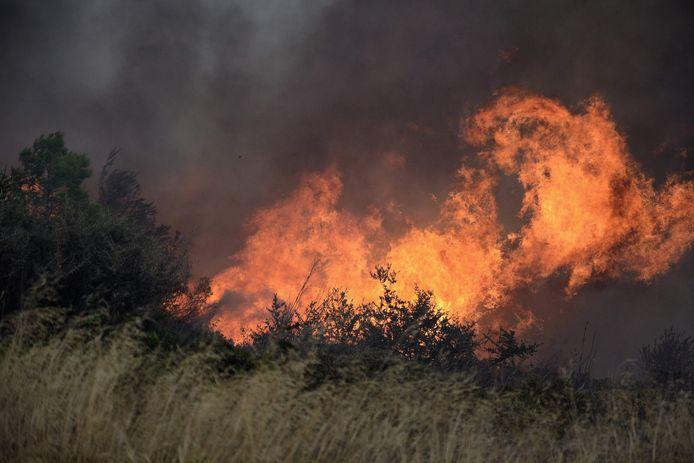 Le mont Penteli est régulièrement touché l'été par des incendies de forêt, comme le montre cette photo datant de juillet 2018.