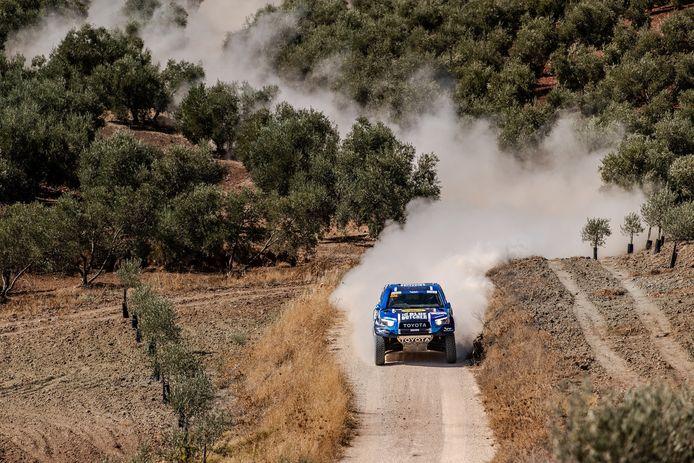 Erik van Loon in actie in de Andalusië Rally ter voorbereiding op een nieuw Dakar-avontuur.