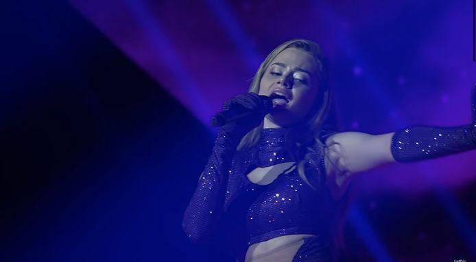 De Grieks-Nederlandse Stefania Liberakakis tijdens haar eerste repetitie op het Eurovisie Songfestival. Ze treedt op met het nummer Last Dance.