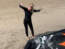 Sanne Hans op vakantie: golfen, kiten én de huisvrouw uithangen