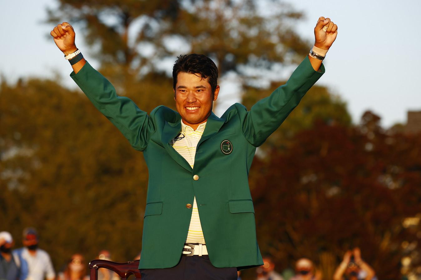 De Japanse golfer Hideki Matsuyama viert zijn overwinning op de Masters in Augusta
