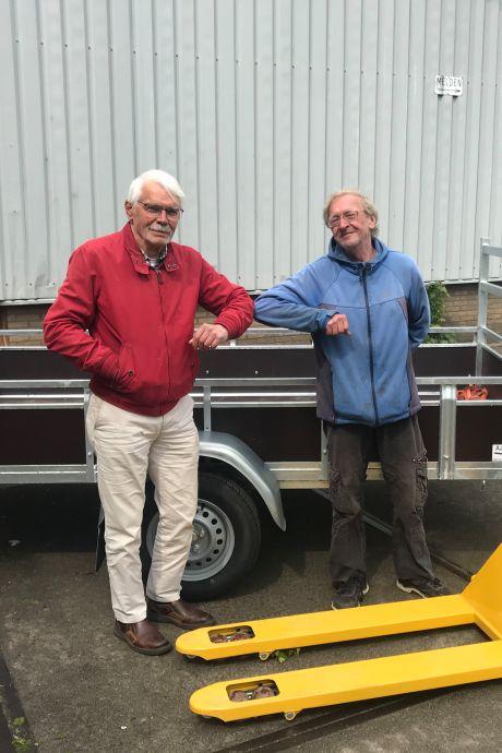 Aanhangwagen en palletlifter voor Vrienden van Suriname