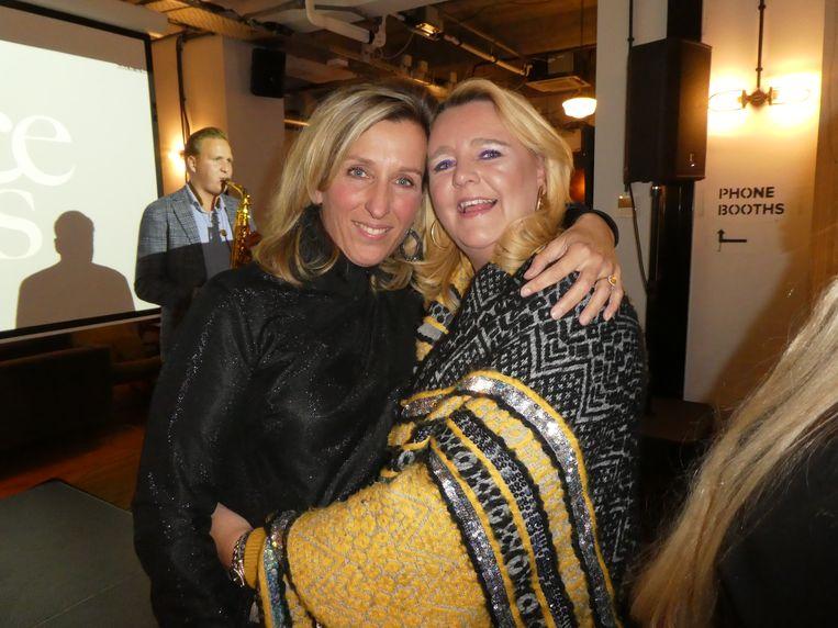 Oude vriendinnen Annelieke van Veldhoven en Ghislaine Roth.