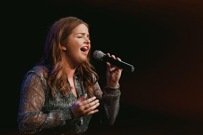 Emma Loeffen: ,,Ik heb in tegenstelling tot vorig jaar niet een, maar zes nieuwe liedjes. Een daarvan is Nederlandse pop en een beetje Maan-achtig. De andere zijn ballads.''