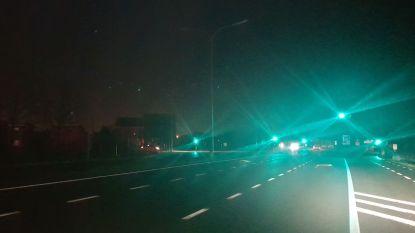 Straatverlichting langs R4-West weigert al enkele dagen dienst ter hoogte van levensgevaarlijk kruispunt met Assenedesteenweg