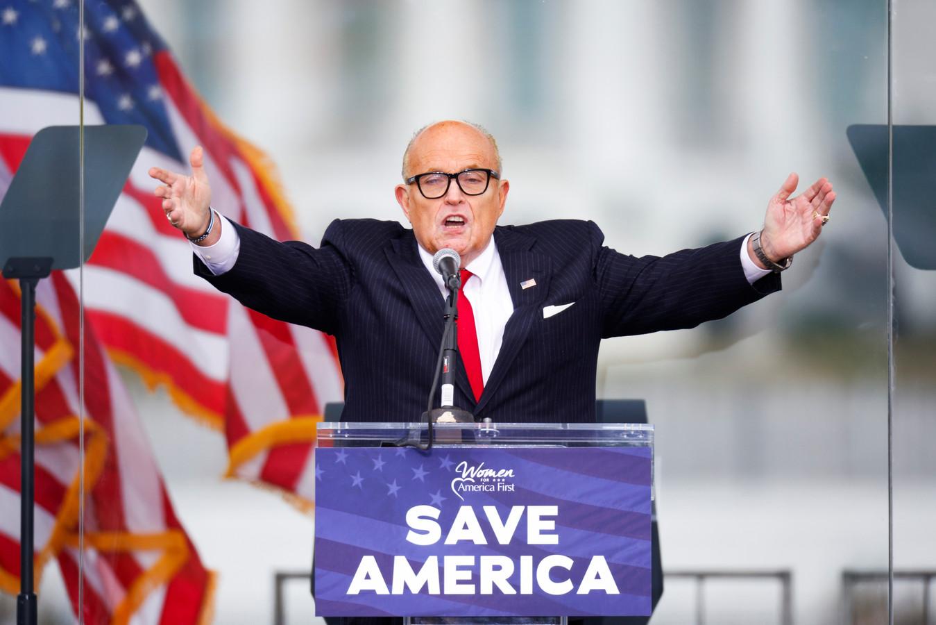 Trumps persoonlijke advocaat Rudy Giuliani