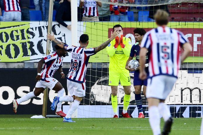 Joël Drommel ging flink de mist in bij de 2-1 van Willem II.