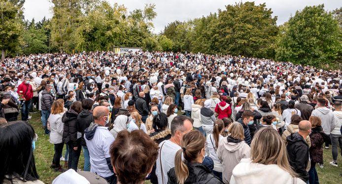 De indrukwekkende witte mars op 4 oktober