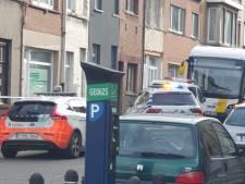 Vrouw (69) zwaargewond bij aanrijding met lijnbus