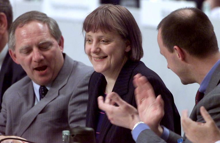 Merkel bij haar verkiezing tot partijvoorzitter in 2000. Beeld REUTERS