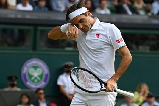 Roger Federer tijdens de kwartfinale van Wimbledon.