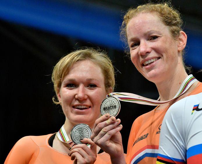Kirsten Wild en Amy Pieters winnen zilver op de koppelkoers.