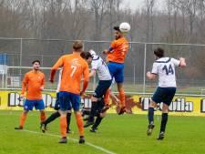 Velden op de schop, anders kunnen straks voetballers geen bal meer trappen
