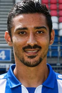 GOAL! 2-1 Heerenveen! Doelpunt Reza Ghoochannejhad<br>Een heerlijk doelpunt van Reza! De spits legt een verre inworp in één keer dood op de voet. Draait om zijn directe tegenstander heen en schiet de 2-1 binnen.