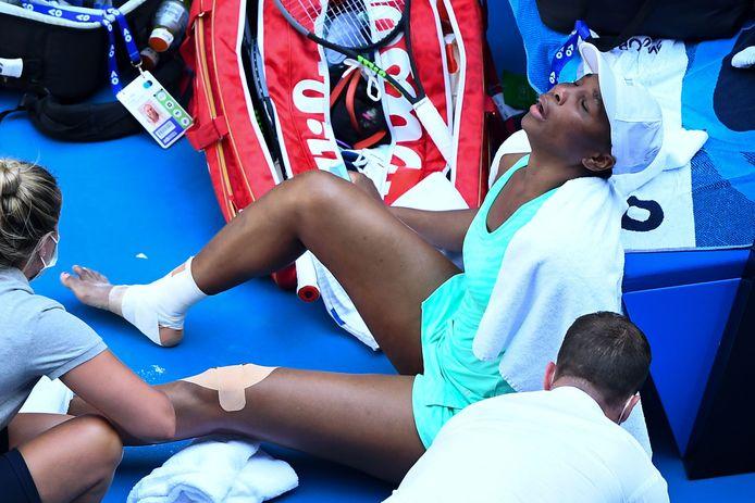 Venus Williams in tranen na een blessure.