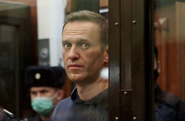 Navalny tijdens zijn proces in Moskou. Beeld via REUTERS