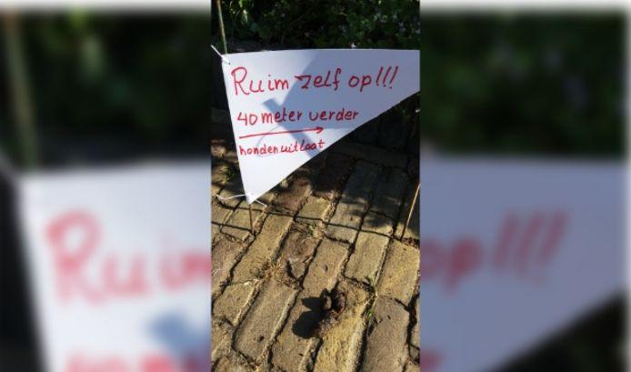 Overlast hondenpoep in het centrum van Baarn.
