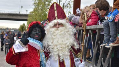 Sint en zijn Zwarte Pieten meren aan op 17 november