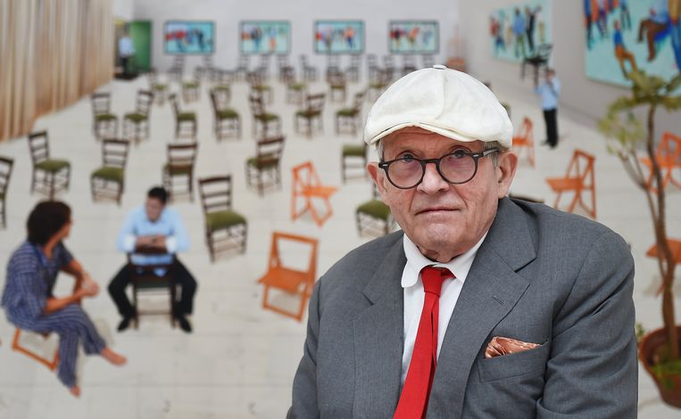 epa06077542 (FILE) - British artist David Hockney poses in the exhibition of his new works 'Painting and Photography' at the Annely Juda Fine Art gallery in London, Britain, 14 May 2015 (reissued 09 July 2017). David Hockney turns 80 on 09 July 2017.  EPA/ANDY RAIN *** Local Caption *** 51933032 Beeld EPA
