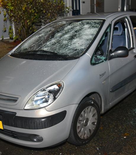 Verwarde man bewerkt auto en woning met hamer in Nijmeegse wijk Malvert