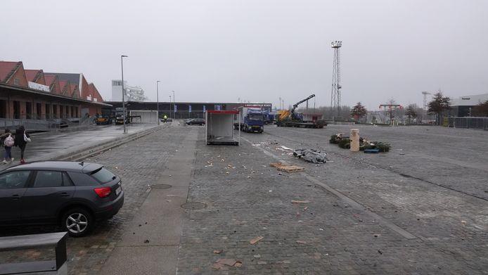De parking moet nog opgeruimd worden voor die weer bruikbaar is.