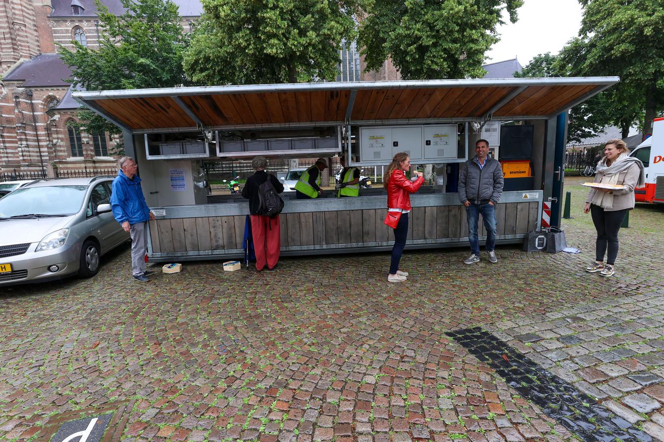 Het mobiel scheidingsstation De Kempen, hier op de Markt in Oirschot.