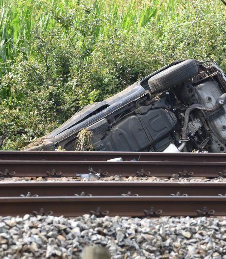 Treinen tussen Meppel en Hoogeveen rijden weer na aanrijding met auto