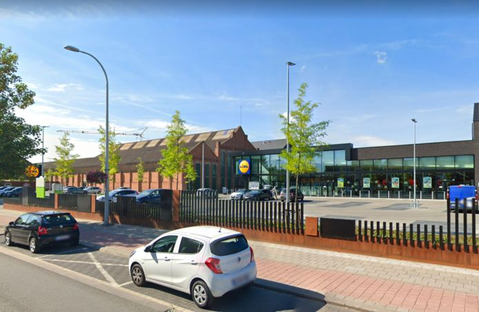 MECHELEN - De supermarkt Lidl langs de Leuvensesteenweg in Mechelen