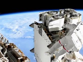 Twee opvarenden ruimtestation ISS maken ruimtewandeling
