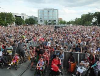 """Stad koopt podium voor evenementenplein: """"RAC-parking wordt openlucht Brielpoort"""""""