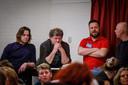 Melkveehouder Klaas Dingstee (tweede van links) tijdens een informatie-avond in Ribhouse Big Texas.