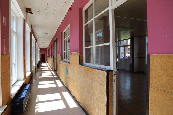 De gebouwen van het internaat zijn aan vernieuwing toe.