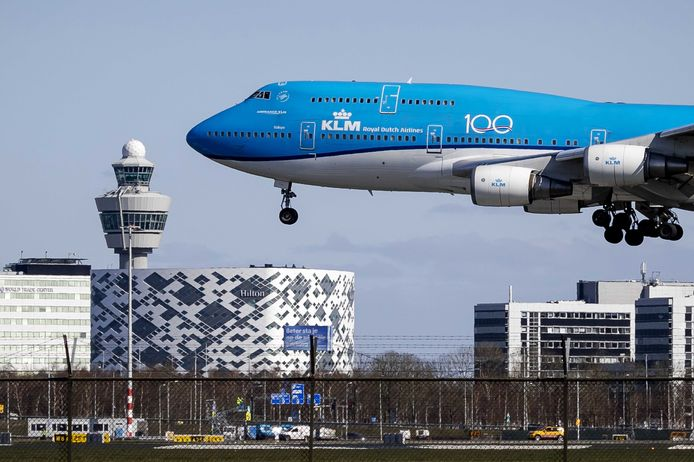 De 747 is te herkennen aan zijn 'bult'.