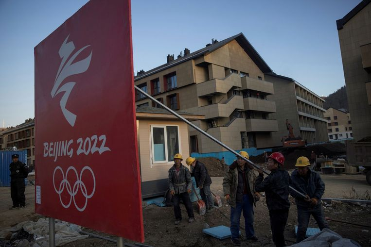 Het olympisch dorp in aanbouw voor de Winterspelen van 2022 in China. Beeld Thomas Peter/REUTERS
