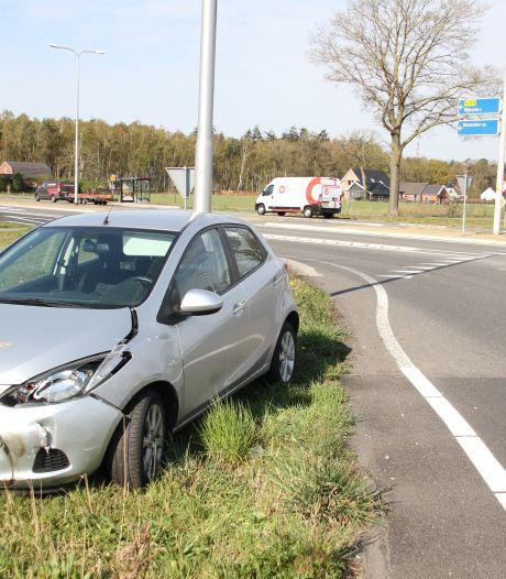 Ongeval tussen twee auto's op kruising Rijssensestraat-N350 bij Wierden