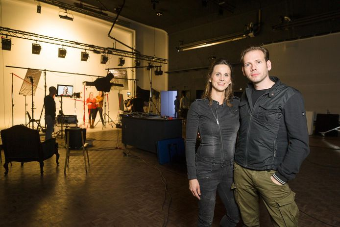 Ellen Cosyn en Olav Verhoeven in hun ultramoderne Studio Regie.