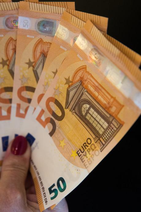 Gulle daklozen vinden en verdelen 300.000 euro uit huis overleden vrouw