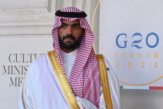 De cultuurminister van Saudi-Arabië, Badr bin Abdullah al Saud, poseert tijdens een vergadering voor G20-cultuurministers in Rome eind vorige maand.