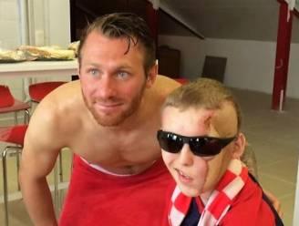 """""""Joeri, je bent één van ons"""": KV Kortrijk steunt zwaar verminkte fan (23) na giftige reacties op TikTok-filmpje"""