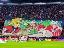 Aanklager KNVB onderzoekt beledigend spandoek Ajax-aanhang