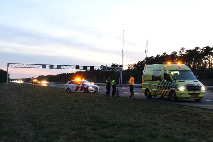De rechterrijstrook tussen de afrit Markelo en de afrit Rijssen is maandagavond tijdelijk afgesloten geweest voor verkeer.