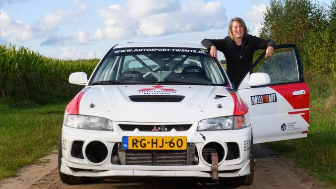 Voor Angelique Aufderhaar is het de normaalste zaak van de wereld dat zij achter het stuur van een rallyauto zit