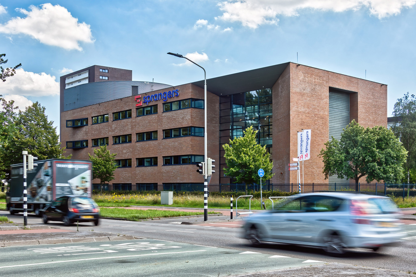 Bouwbedrijf Vrolijk uit Moerdijk gaat het pand van het failliete bouwbedrijf Sprangers in Breda betrekken.