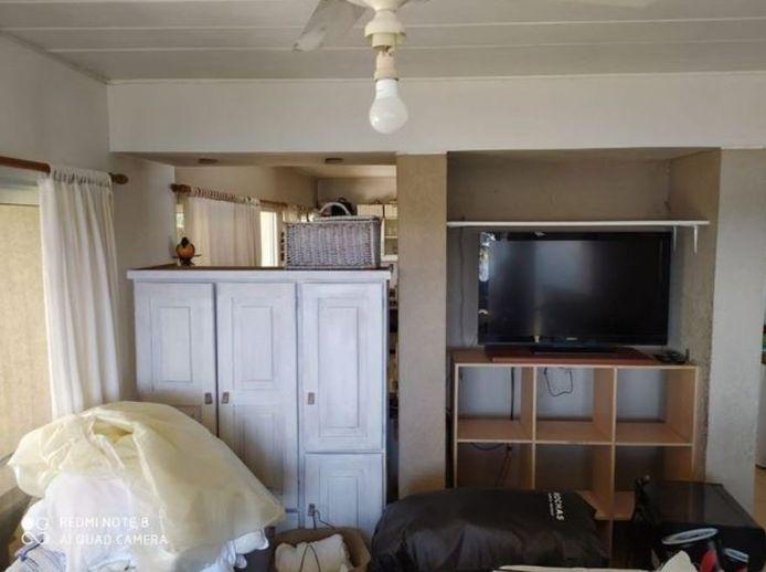 Een kast moest Maradona's leefruimte scheiden met de keuken.