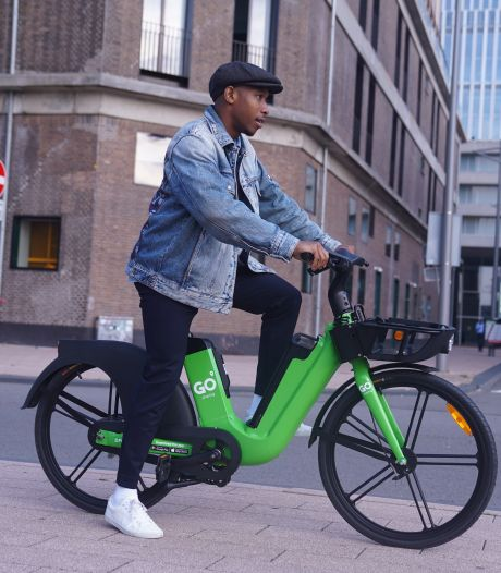Na de appelgroene deelscooter is nu ook de e-bike te vinden in de Maasstad